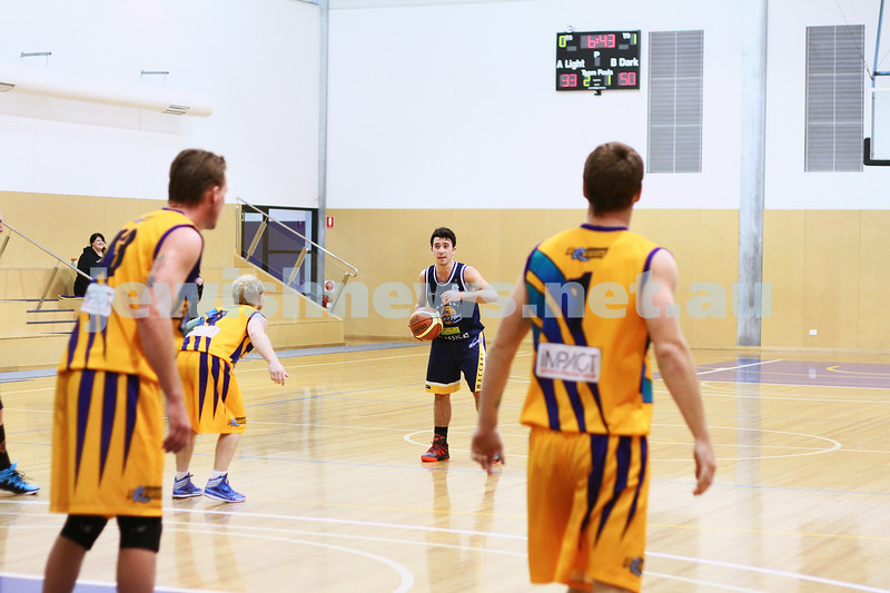 1-6-14. Basketball. Maccabi Warriors lost to Mornington Breakers. 43-61.  Gavin Katz.  Photo: Peter Haskin