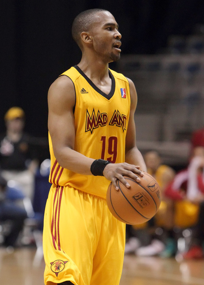 IMAGE: https://photos.smugmug.com/Sports/Mad-Ants-Mar-21-2013/i-hNGVVNX/0/543d9da0/X2/IMG_1212-X2.jpg
