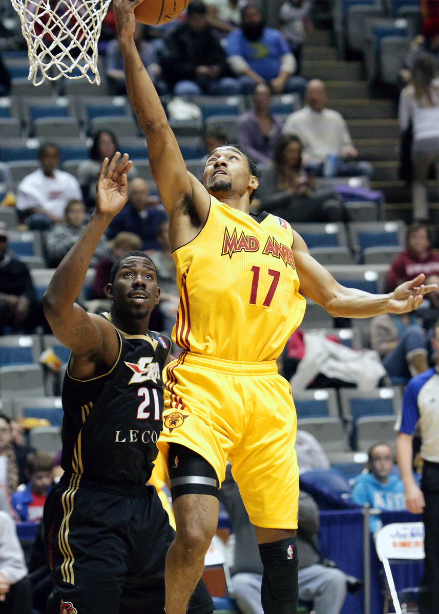 IMAGE: https://photos.smugmug.com/Sports/Mad-Ants-Nov-23-2012/i-Z9pZMQm/0/cfe0bfa8/X3/IMG_8784-X3.jpg