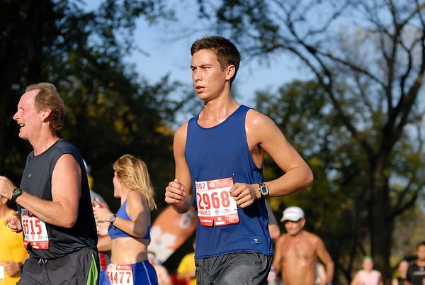 2007 Medtronic Twin Cities Marathon.  (photo date: October 7, 2007)