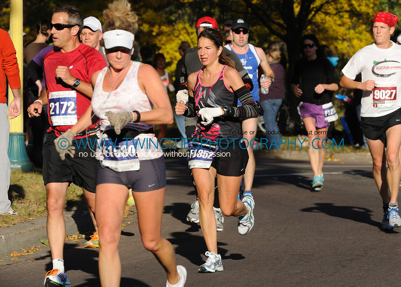 "<font size=""4"" face=""Verdana"" font color=""white"">#F1352 SUSAN THORSHEIM</font><br><p> <font size=""2"" face=""Verdana"" font color=""turquoise"">2011 Twin Cities Marathon</font><br><font size=""2"" face=""Verdana"" font color=""white"">Order a photo print of any photo by clicking the 'Buy' link above.</font>  <font size = ""2"" font color = ""gray""><br> TIP: Click the photo above to display a larger size</font>"