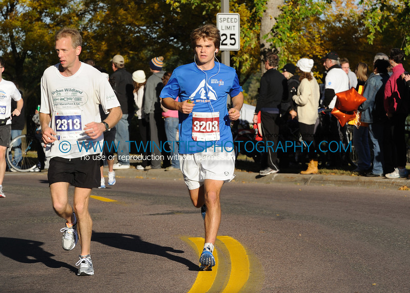 "<font size=""4"" face=""Verdana"" font color=""white"">#3203 JEFF STAMP</font><br><p> <font size=""2"" face=""Verdana"" font color=""turquoise"">2011 Twin Cities Marathon</font><br><font size=""2"" face=""Verdana"" font color=""white"">Order a photo print of any photo by clicking the 'Buy' link above.</font>  <font size = ""2"" font color = ""gray""><br> TIP: Click the photo above to display a larger size</font>"