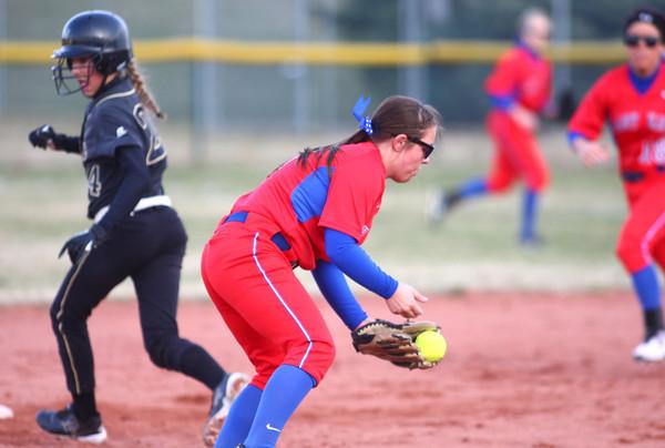 4-1-14<br /> Kokomo vs Lebanon softball<br /> Kokomo's Cathy Skaggs makes a catch.<br /> KT photo | Kelly Lafferty