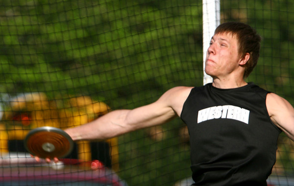 5-7-13<br /> MIC track and field<br /> Western's Corey Hinkle throwing.<br /> KT photo | Tim Bath