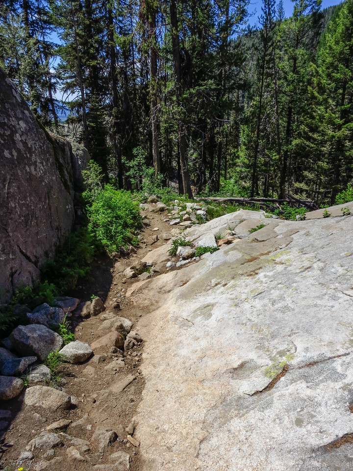 A bit of the boulder trail descent.