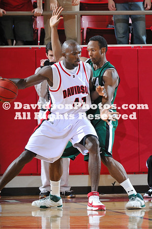 DAVIDSON, NC - Davidson's Andrew Lovedale (41) scored 21 points in the Wildcats win over the Loyola Greyhounds.
