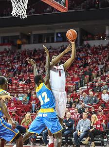 Arkansas Razorbacks forward Trey Thompson (1) shoots during a basketball game between Arkansas and Southern University on November 13, 2015.    (Alan Jamison, Nate Allen Sports Service)