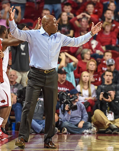 Coach Mike Anderson on the sideline during a basketball game between Arkansas and Akron on November 18, 2015.    (Alan Jamison, Nate Allen Sports Service)