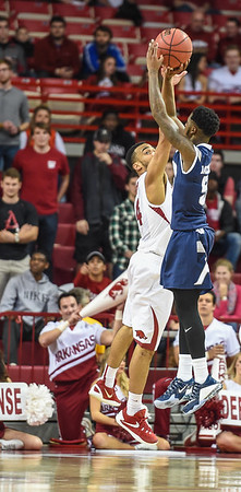 during a basketball game between Arkansas and Akron on November 18, 2015.    (Alan Jamison, Nate Allen Sports Service)