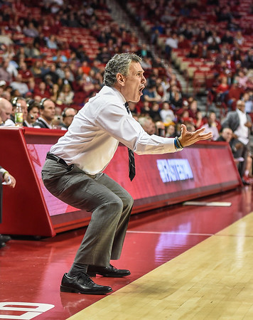 Akron head coach Keith Dambrot during a basketball game between Arkansas and Akron on November 18, 2015.    (Alan Jamison, Nate Allen Sports Service)