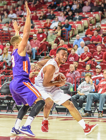 Arkansas Razorbacks guard Jabril Durham (4) drives during a basketball game between Arkansas and Evansville on December 8, 2015.    (Alan Jamison, Nate Allen Sports Service)