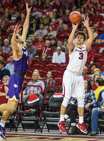 Arkansas Razorbacks guard Dusty Hannahs (3) shoots during a basketball game between Arkansas and Tennessee Tech on December 12, 2015.    (Alan Jamison, Nate Allen Sports Service)