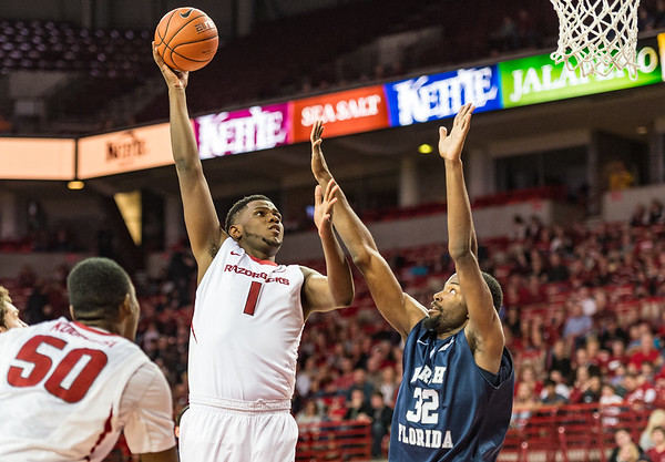Arkansas Razorbacks forward Trey Thompson (1) shoots during a basketball game between Arkansas and North Florida on December 22, 2015.    (Alan Jamison, Nate Allen Sports Service)
