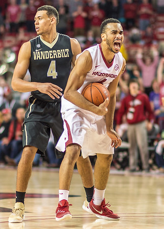 Arkansas Razorbacks guard Jabril Durham (4) reacts to a steal during a basketball game between Arkansas and Vanderbilt on January 5, 2016.    (Alan Jamison, Nate Allen Sports Service)