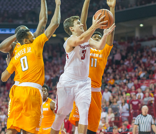 Arkansas Razorbacks guard Dusty Hannahs (3) goes inside for two during a basketball game between Arkansas Razorbacks and Tennessee Volunteers  on February 6, 2016.    (Alan Jamison, Nate Allen Sports Service)