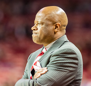Arkansas Razorbacks head coach Mike Anderson observes his team during a basketball game between Arkansas and Auburn on 2-17-16.   (Alan Jamison, Nate Allen Sports Service)