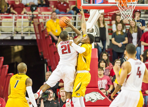 Arkansas Razorbacks guard Manuale Watkins (21) shoots during a basketball game between Arkansas and Missouri on 2-20-16.   (Alan Jamison, Nate Allen Sports Service)