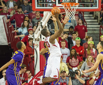 Arkansas Razorbacks forward Moses Kingsley (33) goes inside for two during a basketball game between Arkansas and LSU on 2-23-16.   (Alan Jamison, Nate Allen Sports Service)