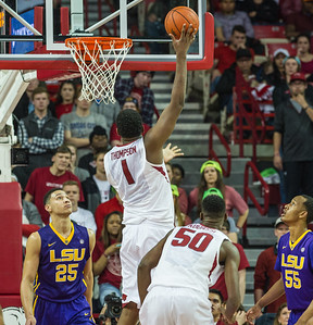 Arkansas Razorbacks forward Trey Thompson (1) shoots a hook shot over LSU Tigers forward Ben Simmons (25) during a basketball game between Arkansas and LSU on 2-23-16.   (Alan Jamison, Nate Allen Sports Service)