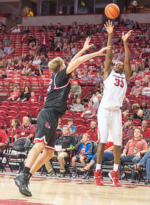 Arkansas Razorbacks forward Moses Kingsley (33) shoots during a basketball game between Arkansas and Central Missouri on Friday, October 28, 2016.  (Alan Jamison, Nate Allen Sports Service)