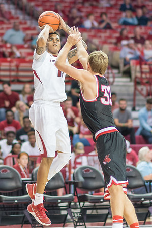 Arkansas Razorbacks forward Dustin Thomas (13) shoots during a basketball game between Arkansas and Central Missouri on Friday, October 28, 2016.  (Alan Jamison, Nate Allen Sports Service)