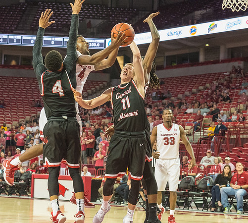 Arkansas Razorbacks guard Daryl Macon (4) drives to the basket during a basketball game between Arkansas and Central Missouri on Friday, October 28, 2016.  (Alan Jamison, Nate Allen Sports Service)