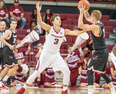 Arkansas Razorbacks guard Dusty Hannahs (3) defends during a basketball game between Arkansas and Central Missouri on Friday, October 28, 2016.  (Alan Jamison, Nate Allen Sports Service)