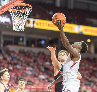 Arkansas Razorbacks guard Jaylen Barford (0) shoots during a basketball game between Arkansas and Central Missouri on Friday, October 28, 2016.  (Alan Jamison, Nate Allen Sports Service)