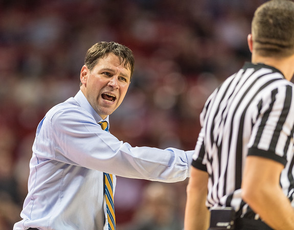 Fort Wayne head coach Jon Coffman reacts to a call during a basketball game between Arkansas and Fort Wayne on Friday, November 11, 2016.  (Alan Jamison, Nate Allen Sports Service)