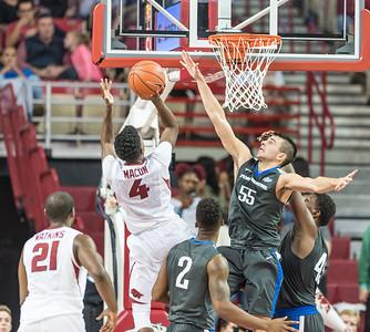 Arkansas Razorbacks guard Daryl Macon (4) shoots during a basketball game between Arkansas and Fort Wayne on Friday, November 11, 2016.  (Alan Jamison, Nate Allen Sports Service)