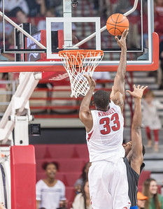 Arkansas Razorbacks forward Moses Kingsley (33) shoots during a basketball game between Arkansas and Fort Wayne on Friday, November 11, 2016.  (Alan Jamison, Nate Allen Sports Service)