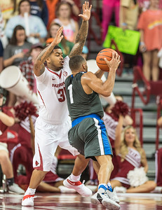 Arkansas Razorbacks guard Anton Beard (31) defends  during a basketball game between Arkansas and Fort Wayne on Friday, November 11, 2016.  (Alan Jamison, Nate Allen Sports Service)