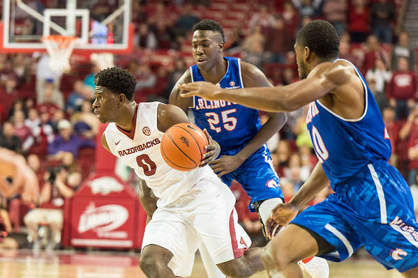 Jaylen  Barford drives during a basketball game between Arkansas and UT Arlington on Friday, November 18, 2016.  (Alan Jamison, Nate Allen Sports Service)