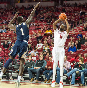 Arkansas Razorbacks forward Arlando Cook (5) shoots during a basketball game between Arkansas and Mount St. Mary's on Monday, November 28, 2016.  (Alan Jamison, Nate Allen Sports Service)