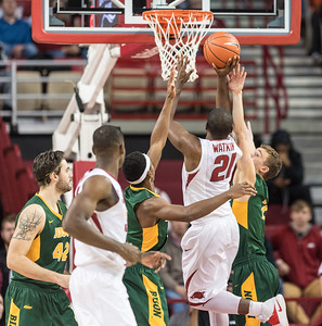 Arkansas Razorbacks guard Manuale Watkins (21) shoots during a basketball game between Arkansas and North Dakota State on Tuesday, December 20, 2016.  (Alan Jamison, Nate Allen Sports Service)