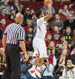 Arkansas Razorbacks guard Anton Beard (31) shoots during a basketball game between Arkansas and North Dakota State on Tuesday, December 20, 2016.  (Alan Jamison, Nate Allen Sports Service)