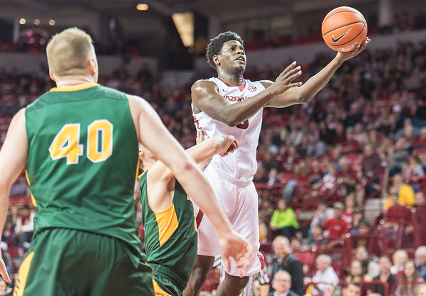 Arkansas Razorbacks guard Jaylen Barford (0) takes it to the basket during a basketball game between Arkansas and North Dakota State on Tuesday, December 20, 2016.  (Alan Jamison, Nate Allen Sports Service)