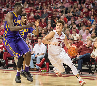 Arkansas Razorbacks guard Dusty Hannahs (3) drives during a basketball game between Arkansas and LSU on Saturday, January 21, 2017.  (Alan Jamison, Nate Allen Sports Service)