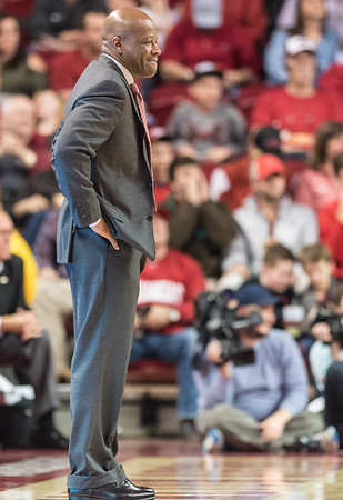 Arkansas Razorbacks head coach Mike Anderson watches during a basketball game between Arkansas and LSU on Saturday, January 21, 2017.  (Alan Jamison, Nate Allen Sports Service)