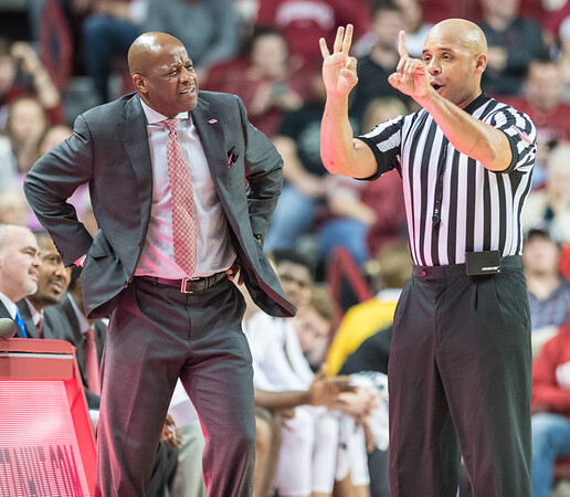 Arkansas Razorbacks head coach Mike Anderson expresses disbelief with a call during a basketball game between Arkansas and LSU on Saturday, January 21, 2017.  (Alan Jamison, Nate Allen Sports Service)