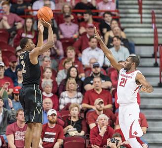 Vanderbilt Commodores guard Joe Toye (2) shoots a three pointer during a basketball game between Arkansas and Vanderbilt on Tuesday, February 7, 2017.  (Alan Jamison, Nate Allen Sports Service)
