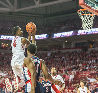 Arkansas Razorbacks guard Daryl Macon (4) shoots during a basketball game between Arkansas and Ole Miss on Saturday. 2/18/2017.  (Alan Jamison, Nate Allen Sports Service)