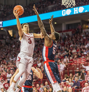 Arkansas Razorbacks guard Dusty Hannahs (3) shoots during a basketball game between Arkansas and Ole Miss on Saturday. 2/18/2017.  (Alan Jamison, Nate Allen Sports Service)
