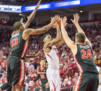 Arkansas Razorbacks guard Daryl Macon (4) goes up to shoot during a basketball game between Arkansas and Georgia on Saturday, 3/4/2017.  (Alan Jamison, Nate Allen Sports Service)