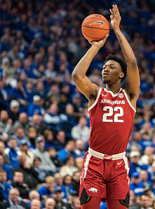 Arkansas Razorbacks forward Gabe Osabuohien (22) shoots during a basketball game between the Arkansas Razorbacks and the Kentucky Wildcats on Tuesday, January 26, 2019, at Rupp Arena.  (Alan Jamison, Nate Allen Sports Service)