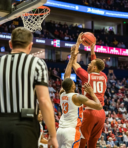 Arkansas Razorbacks forward Daniel Gafford (10) goes up for a shot during an SEC Tournament basketball game between the Arkansas Razorbacks and the Florida Gators on Thursday, March 14, 2019, at Bridgestone Arena.  (Alan Jamison, Nate Allen Sports Service)