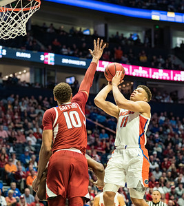 Arkansas Razorbacks forward Daniel Gafford (10) guards Florida Gators forward Keyontae Johnson (11) during an SEC Tournament basketball game between the Arkansas Razorbacks and the Florida Gators on Thursday, March 14, 2019, at Bridgestone Arena.  (Alan Jamison, Nate Allen Sports Service)