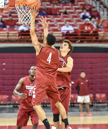 Open men's basketball practice on October 24, 2015 in Bud  Walton Arena in Fayetteville, Arkansas.   (Alan Jamison, Nate Allen Sports Service)