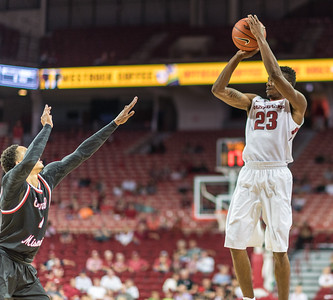 Arkansas Razorbacks guard C.J. Jones (23) shoots during a basketball game between Arkansas and Central Missouri on Friday, October 28, 2016.  (Alan Jamison, Nate Allen Sports Service)