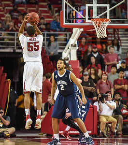 Arkansas Razorbacks forward Keaton Miles (55) shoots during a basketball game between Arkansas and Akron on November 18, 2015.    (Alan Jamison, Nate Allen Sports Service)